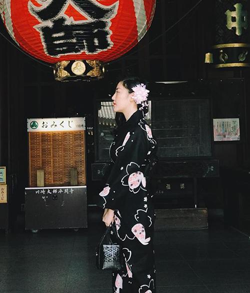 Văn Mai Hương đi Nhật như đi chợ.