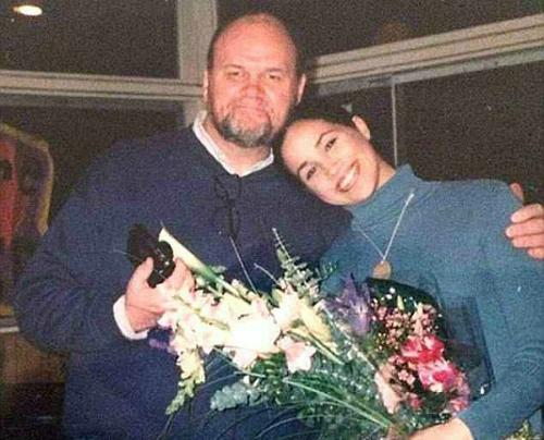 Ông Thomas Markle và con gái Meghan.