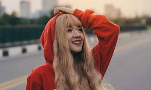 9x xinh đẹp trong MV 'Mình cùng nhau đóng băng'