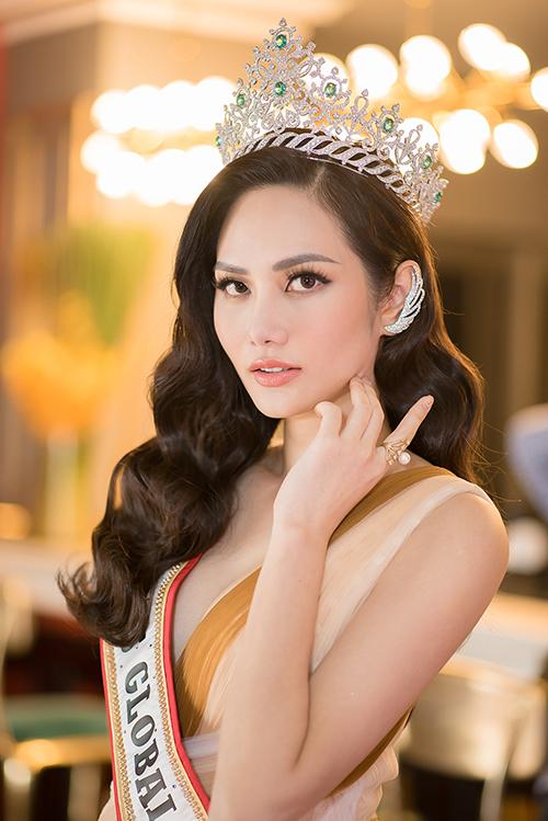Hoa hậu Du lịch Toàn cầu 2018 Nguyễn Diệu Linh.