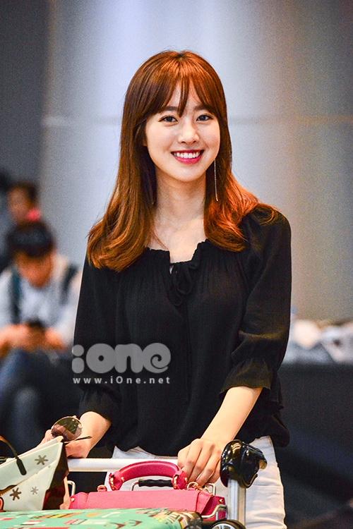 Nữ hoàng cổ trang Jin Se Yeon xinh đẹp ở Đà Nẵng - 1