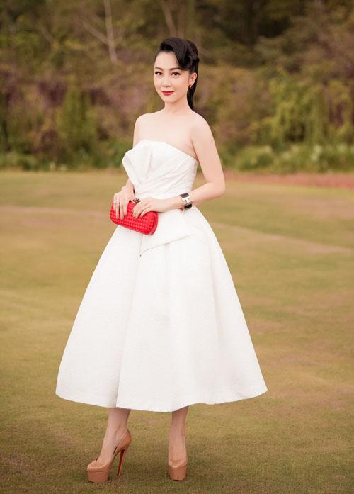 Linh Nga đã lâu mới tái xuất ở một sự kiện thời trang.