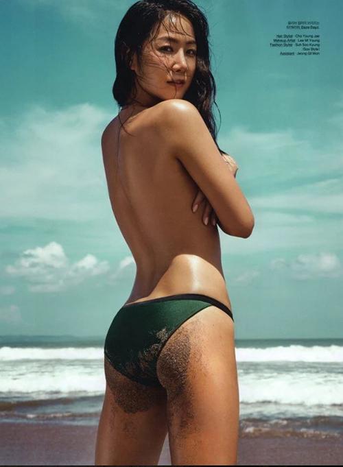 Hội gái ngoan  gái hư Hàn Quốc đọ dáng khi chụp ảnh ngực trần khiêu khích - 12