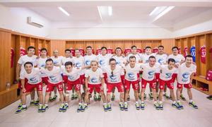 Các nghệ sĩ Việt chơi bóng đá vì trẻ em nghèo
