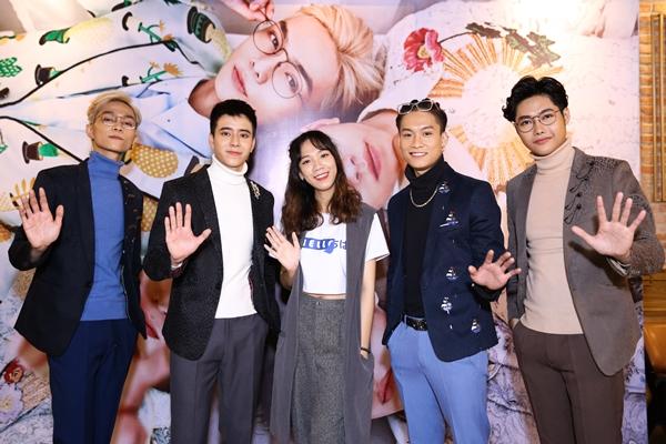 Đạo diễn triệu view Luk Vân vẫn tự tin phát triển nhóm nhạc sau sự việc 3 thành viên rời nhóm.