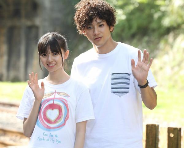 Cặp đôi phiên bản Nhật đến Đài Loan quay phim vào tháng 10/2017. Ảnh: nextmag
