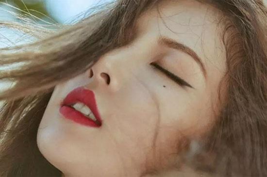 Bạn biết gì về nữ idol gợi cảm Hyun Ah? - 4