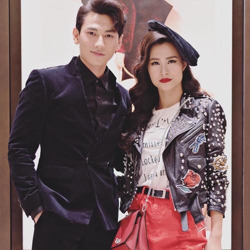 Khi pose hình với nhiều mỹ nhân Việt như Hạ Vi, Đông Nhi