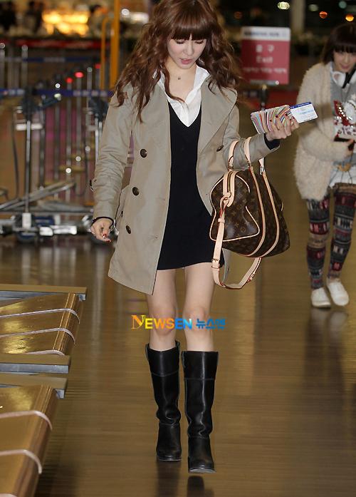 Vào năm 2011, Tiffany lọt danh sách những idol nữ khiến mọi người giật mình vì thân hình que củi, cặp đùi nhỏ xíu như không tưởng.