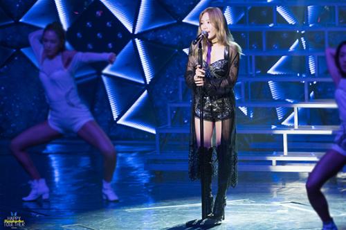 Sang năm 2018, Tae Yeon có hứng thú với tập gym, giúp cơ thể săn chắc và vẫn có đường cong. Phần đùi của trưởng nhóm SNSD nảy nở ra trông thấy.