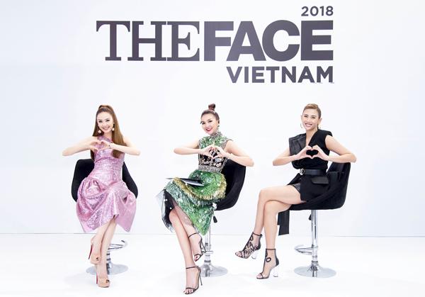 Trong ngày casting thứ hai khu vực phía Nam của The Face Việt Nam 2018, ba HLV đã lựa chọn được những thí sinh tiềm năng. Họ phải thị phạm các kỹ năng diễn xuất trước ống kính cũng như catwalk để các tiếp tục tìm ra được các gương mặttốt nhất, đáp ứng được tiêu chí của chương trình.