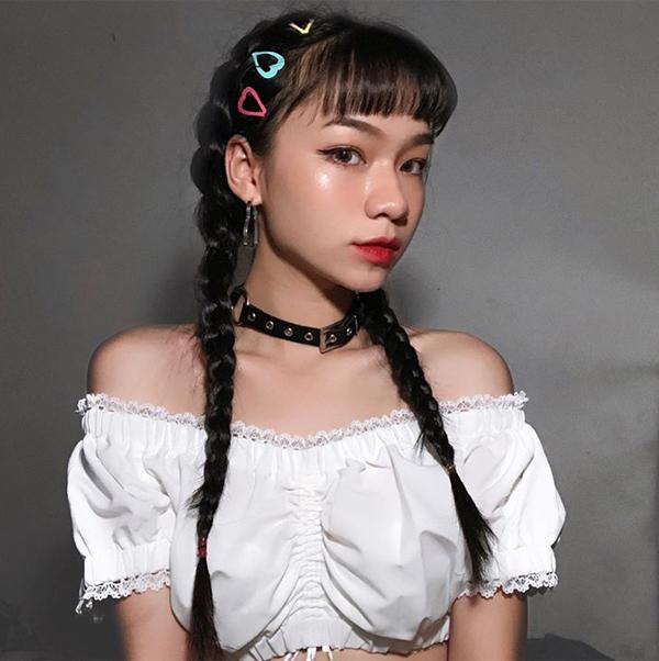 Nhiều hot girl Việt còn không ngại sử dụng một lúc hàng loạt chiếc kẹp rực rỡ khác nhau để càng tăng độ cá tính.