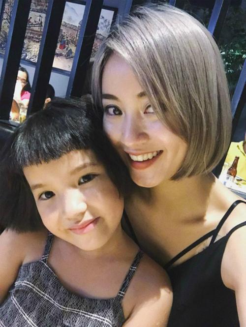 Tiểu công chúa nhà Mi Vân xinh xắn không kém mẹ hot girl - 4