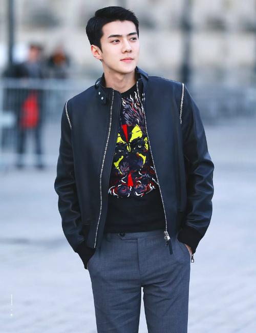 Se Hun luôn được mời tham gia những sự kiện mới nhất của LV. Anh chàng đã 2 năm lọt top sao nam mặc đẹp nhất sự kiện.
