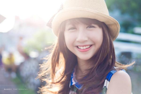 Quỳnh Anh Shyn là cựu học sinh THPT Phan Đình Phùng (Hà Nội), khi còn ngồi trên ghế nhà trường, Quỳnh Anh khá nhí nhảnh và nữ tính. Cô được xem là cái tên nổi bật nhất trong bộ ba sát thủ với gương mặt bầu bĩnh, nụ cười tươi và biểu cảm ngọt ngào.
