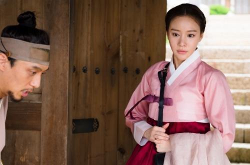 Chính Kim Ah Joong cũng phải thừa nhận mình không hợp với phim cổ trang.