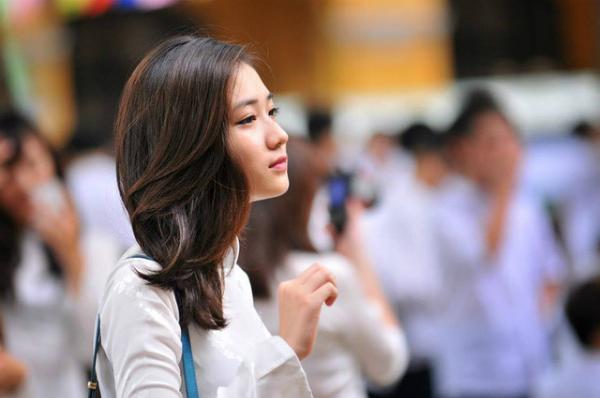 Gương mặt của Trâm Anh được đem ra so sánh với mỹ nữ Yoona (SNSD). Với nhiều nét tương đồng trên mặt, cô nàng được gọi với biệt danh Yoona của Việt Nam.