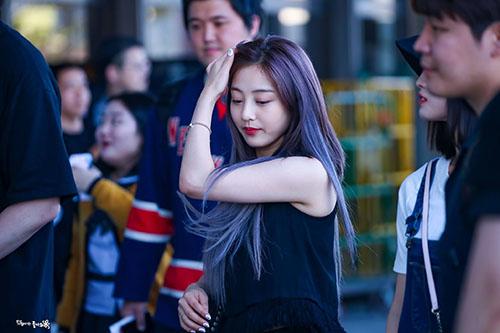 Twice, Black Pink lộ tóc mới sẵn sàng cho cuộc đối đầu mùa hè - 1