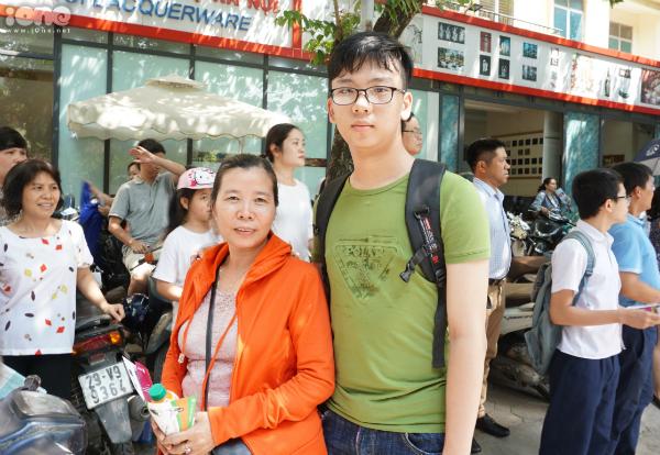 Bạn Nguyễn Đức Anh và mẹ.