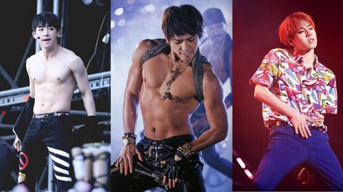 Các idol nam thoải mái khoe thân với vũ đạo nóng bỏng trên sân khấu.