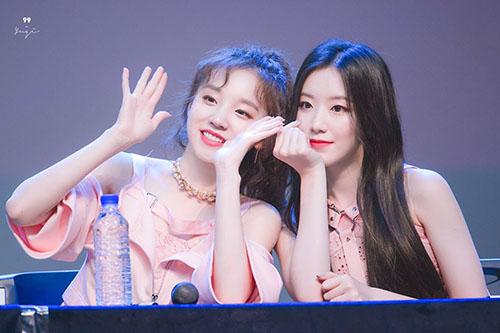 Bộ đôi người Trung Quốc Shuhua và Yuqi là visual chính.
