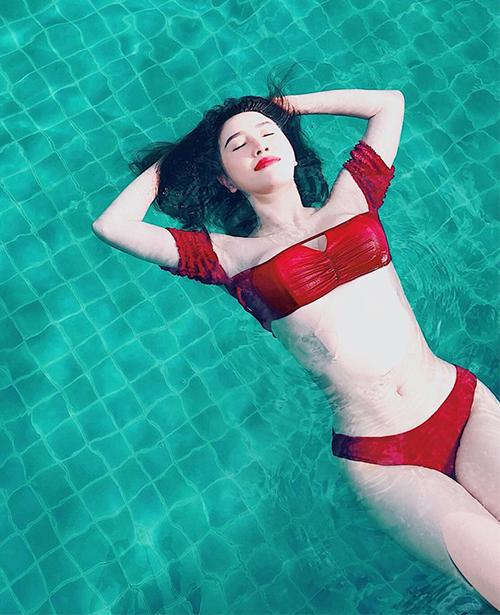3 mỹ nhân Việt 30 tuổi mới dậy thì với ảnh bikini sexy - 3