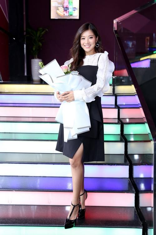 Ngày 10/6, Hoàng Yến Chibi cho ra mắt MV No Boyfriend (sáng tác Nguyễn Đình Vũ). Sản phẩm âm nhạc đánh dấu sự trở lại của nữ ca sĩ - diễn viên trong lĩnh vực ca hát sau nửa năm vắng bóng. Đây cũng là dự án âm nhạc được Hoàng Yến Chibi đầu tư nhiều nhất từ trước đến nay.