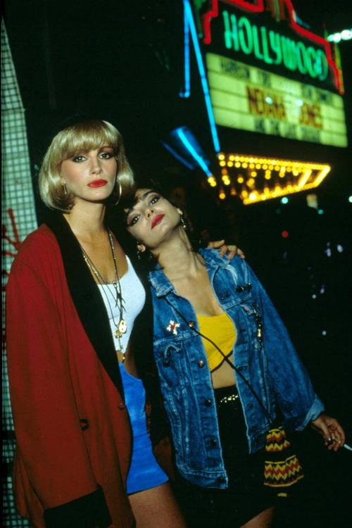 Ban đầu, kịch bản của phim xoay quanh gái mại dâm ở Los Angeles.