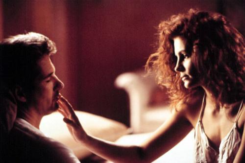 Bộ phim trở thành tác phẩm lãng mạn vô cùng ăn khách.