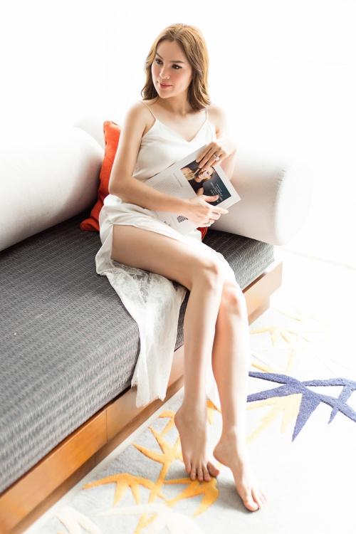 Vóc dáng thon thả đáng khâm phục của Hoa hậu Phương Lê.