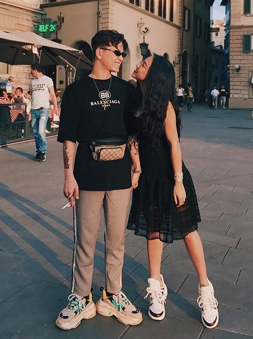 Cặp đôi Decao - Châu Bùi cực tình tứ trên đường phố Barcelona.