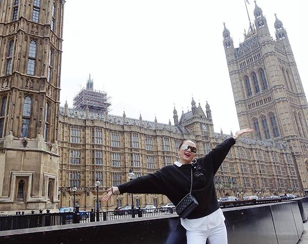 Thiều Bảo Trang hào hứng khi đặt chân đến London cổ kính.