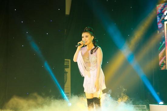 Quang Hà khiến khán giả MV Top Hits đứng ngồi không yên - 4
