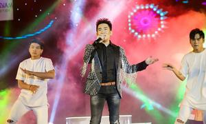 Quang Hà khuấy động khán giả MV Top Hits
