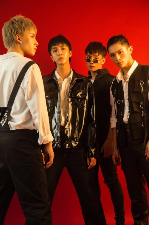 Để có sự trở lại, Monstar cho ra mắt MV Giữ lấy làm gì với sự góp mặt đầu tiên của 4 thành viên.