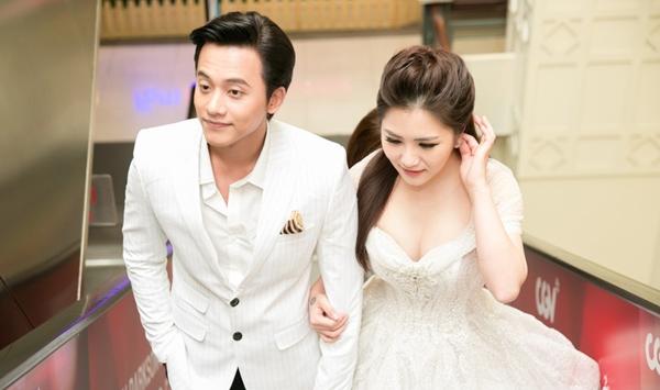 Mai Tài Phến - Hương Tràm là đồng nghiệp thân thiết.