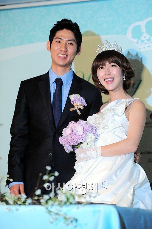 5 sao Hàn nên duyên chồng vợ với fan - 3