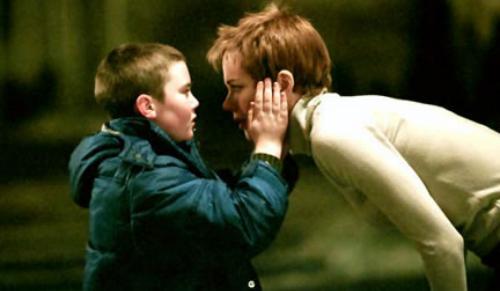 Mới quan hệ trong phim tạo ra một câu chuyện tình yêu kỳ lạ.