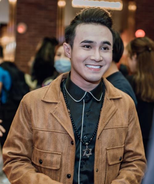 Diễn viên Huỳnh Lập là bạn bè, đồng nghiệp thân thiết của Hồng Thanh, Việt Hương.