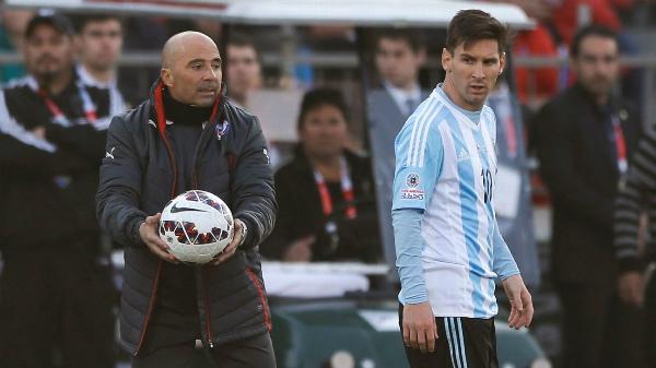 HLVJorge Sampaoli dẫn dắt ĐT Argentina có Leo Messi làm đội trưởng.