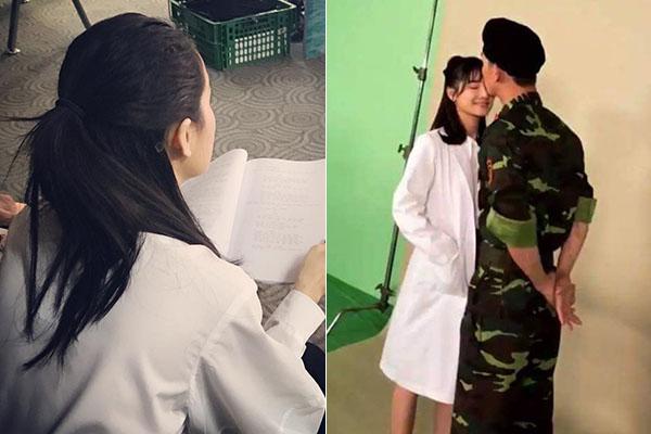Hậu duệ Mặt trời bản Việt là dự án đang được các mọt phim trong nước chờ đón. Nhiều người tò mò về danh tính nữ diễn viên sẽ đảm nhiệm vai của Song Hye Kyo. Những hình ảnh rò rỉ gần đây cho thấy bác sĩ Kang có thể sẽ do Nhã Phương hóa thân thành.