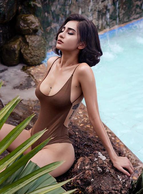 Với chiều cao 1,7 m,nặng 52 kg, số đo 3 vòng 88-58-94, Ngọc Bích được đánh giá là một trong những thí sinh có hình thể nổi bật nhất The Face Việt Nam 2018.