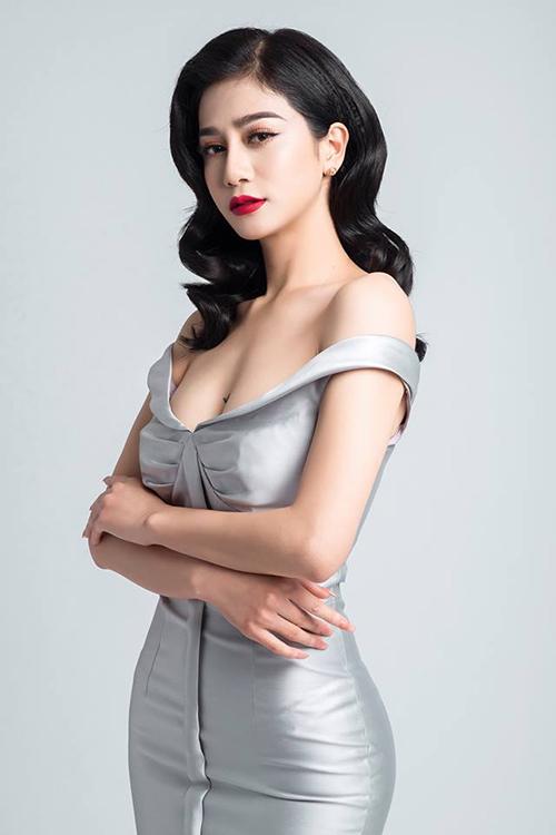 Nhiều người kỳ vọng chân dài Quảng Ninh sẽ tái xuất ở một cuộc thi hoa hậu tuy nhiên Ngọc Bích tiết lộ cô khó có cơ hội vì đã nâng mũi, đồng thời sở hữu khá nhiều hình xăm trên cơ thể.