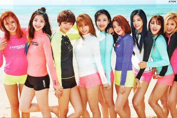 Twice chịu mặc nóng bỏng hơn trong MV mới.