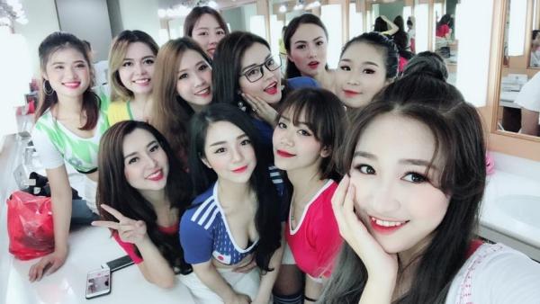 Họ là 32 cô gái được lựa chọn đại diện cho 32 đội tuyển World Cup 2018.