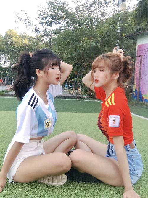 Hai hot girl cổ vũ World Cup lại bị truy linkvì xinh đẹp