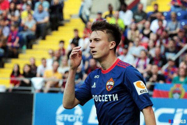 6 năm theo đuổi bóng đá chuyên nghiệp, Golovin đã chơi 113 trận cho CSKA Moskva, ghi tổng 24 bàn thắng. ĐT tuyển từng ra giá Golovin 10 triệu bảng nhưng nó sẽ tăng lên sau những gì anh thể hiện ở World Cup đầu tiên. Và Aleksandr Golovin đã sớm lọt vào mắt xanh của cả Manchester United lẫn Arsenal.