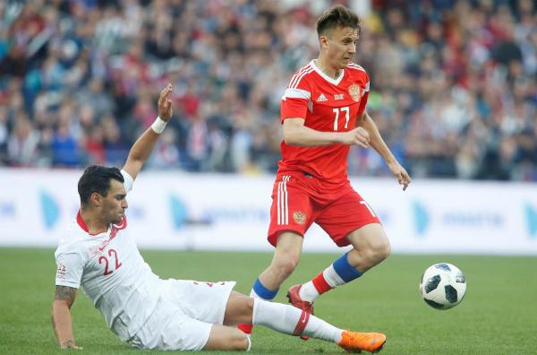 Đội tuyển Nga đã giành chiến thắng 5-0 trước Saudi Arabia trong Lễ khai mạc kỳ World Cup 2018. Với 2 đường chuyền thành bàn và 1 pha ghi bàn bằng cú sút phạt trực tiếp đẳng cấp, Aleksandr Golovin trở thành ngôi sao được người hâm mộ Nga chú ý. Golovin được bầu là cầu thủ xuất sắc nhất trận Nga.