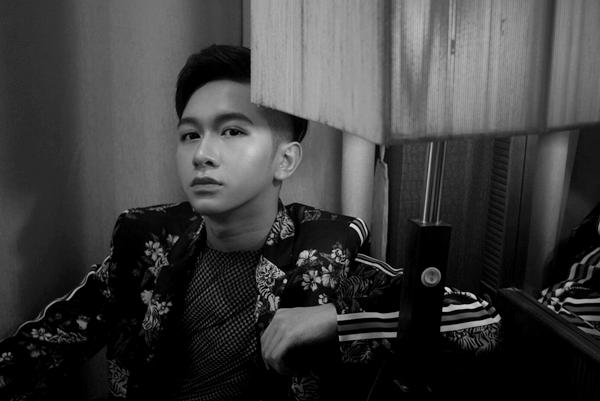 Từ hình ảnh hot boy nhí, Đỗ Hoàng Dương giờ là một chàng trai 18 tuổi ngày mộttrưởng thành.