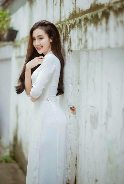 Cô gái giật chồng Minh Hằng:Sợ đóng cảnh nóng trong xe - 4